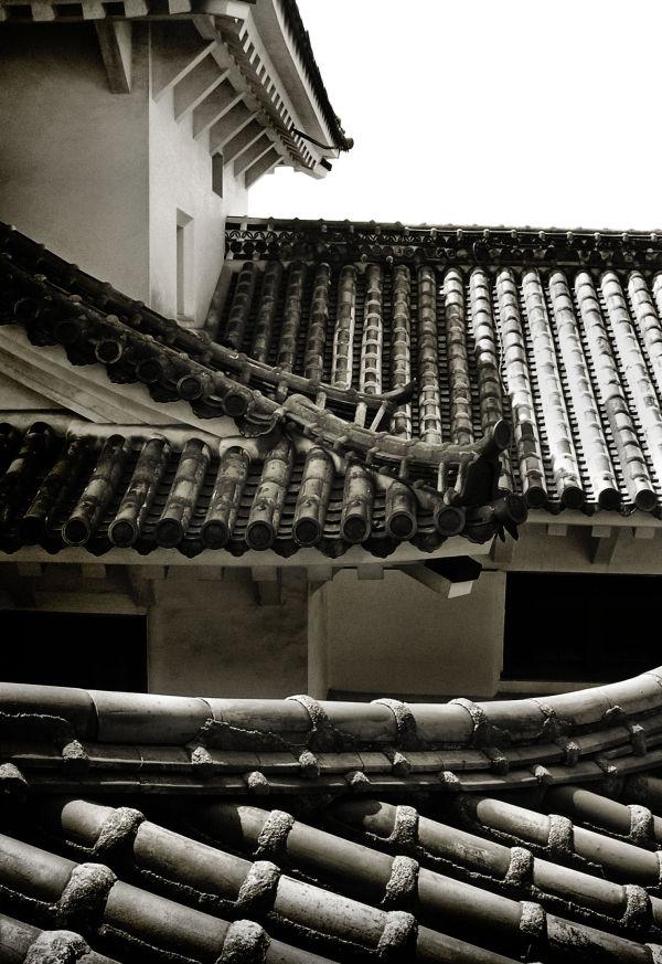 Exploring Himeji Castle 5