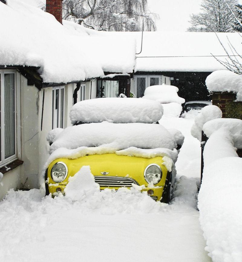Farnham England snow car neighbourhood