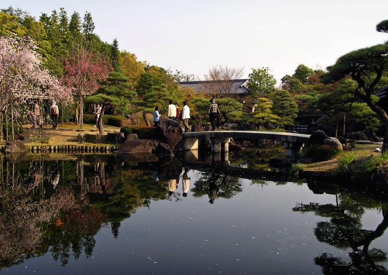 kokoen garden himeji hyogo japan pond tree bridge