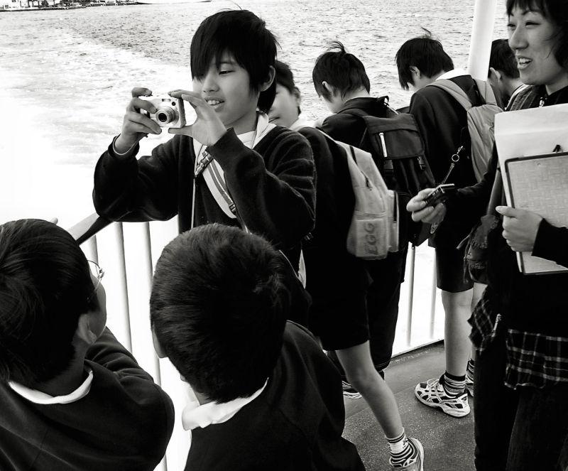 hiroshima miyajima ferry children school-children