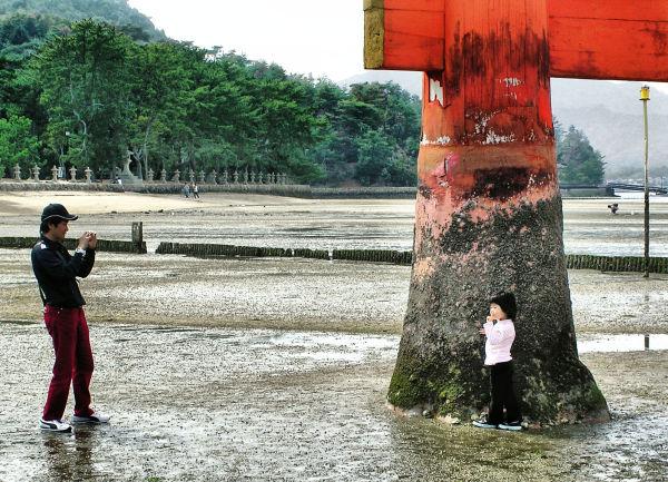 Sightseers at Itsukushima Shrine