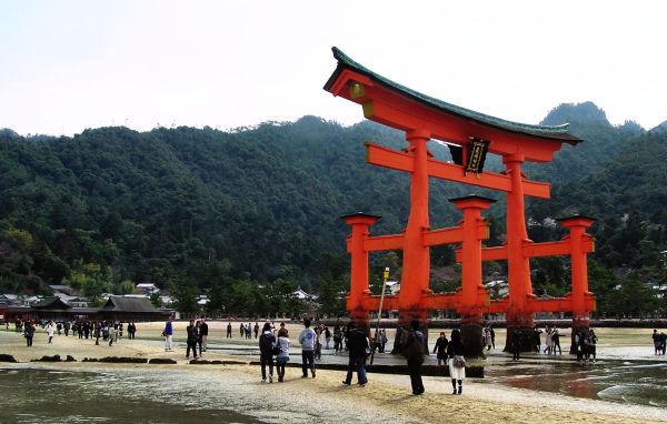 Torii, Itsukushima Shrine 8