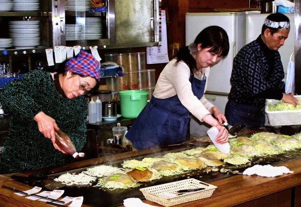 hiroshima japan miyajima okonomiyaki restaurant
