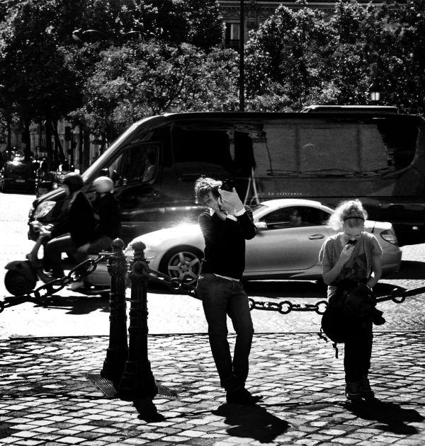 Sightseers, Arc de Triomphe