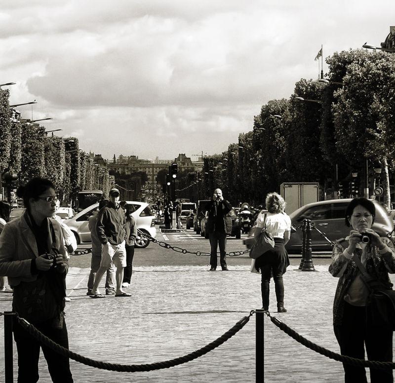 arc-de-triomphe paris france tourist