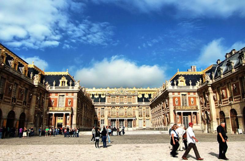 versailles france palace facade tourist