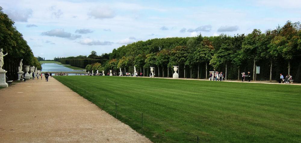 versailles france palace garden tourist lake