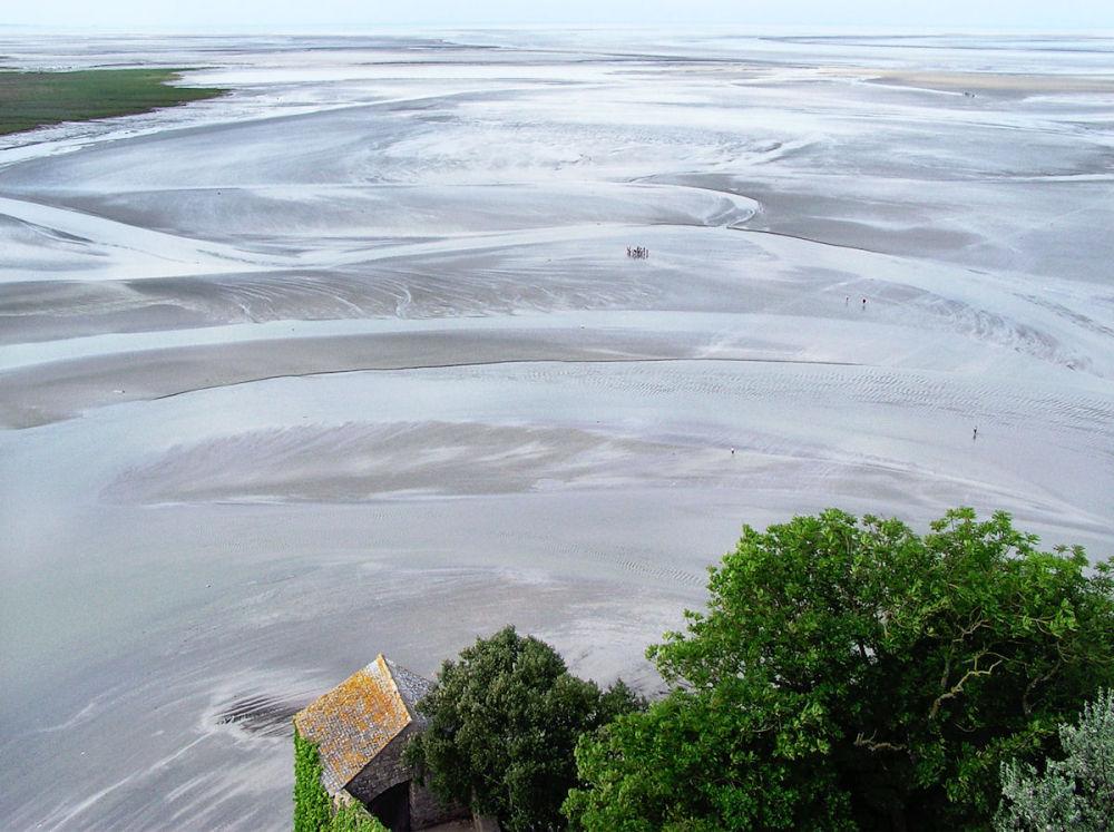 france normandy mont-saint-michel mudflats