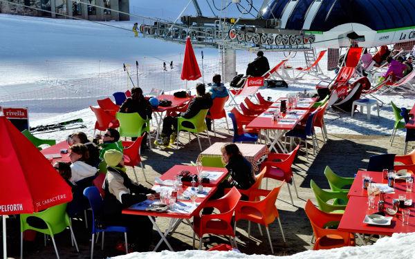 france chatel ski snow pré-la-joux café