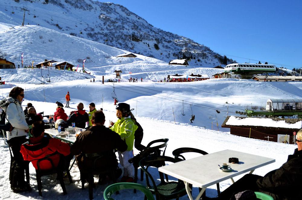 france chatel ski snow pré-la-joux cafe