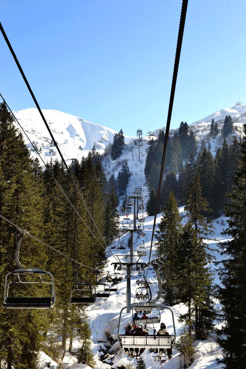 france chatel ski snow pré-la-joux chair-lift
