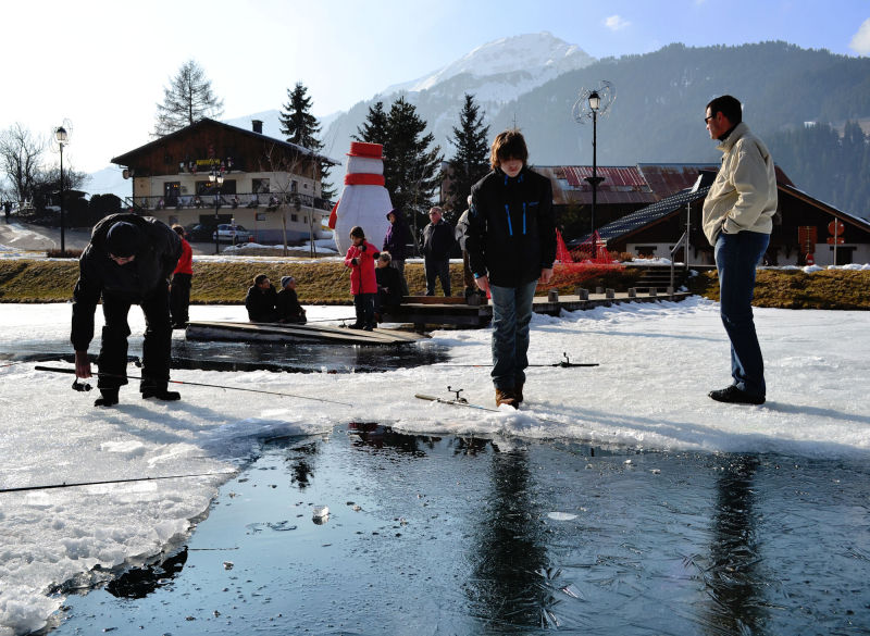 france chatel ice fishing tourist