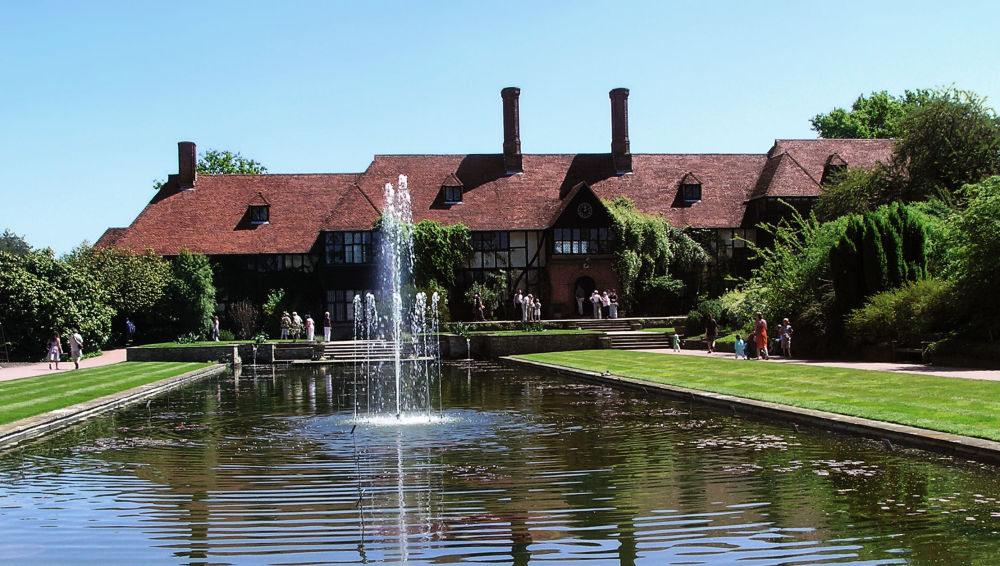 england wisley garden house pond fountain