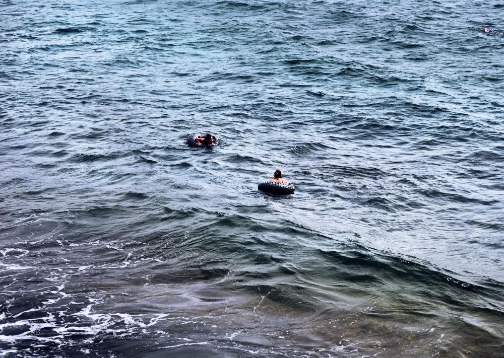 brighton england seaside sea children