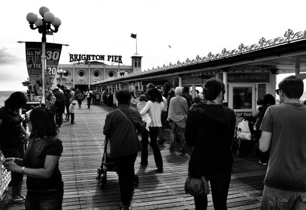 brighton england pier tourist