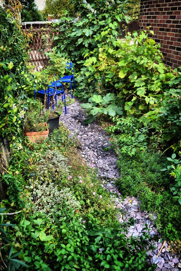 house garden worcester-park england