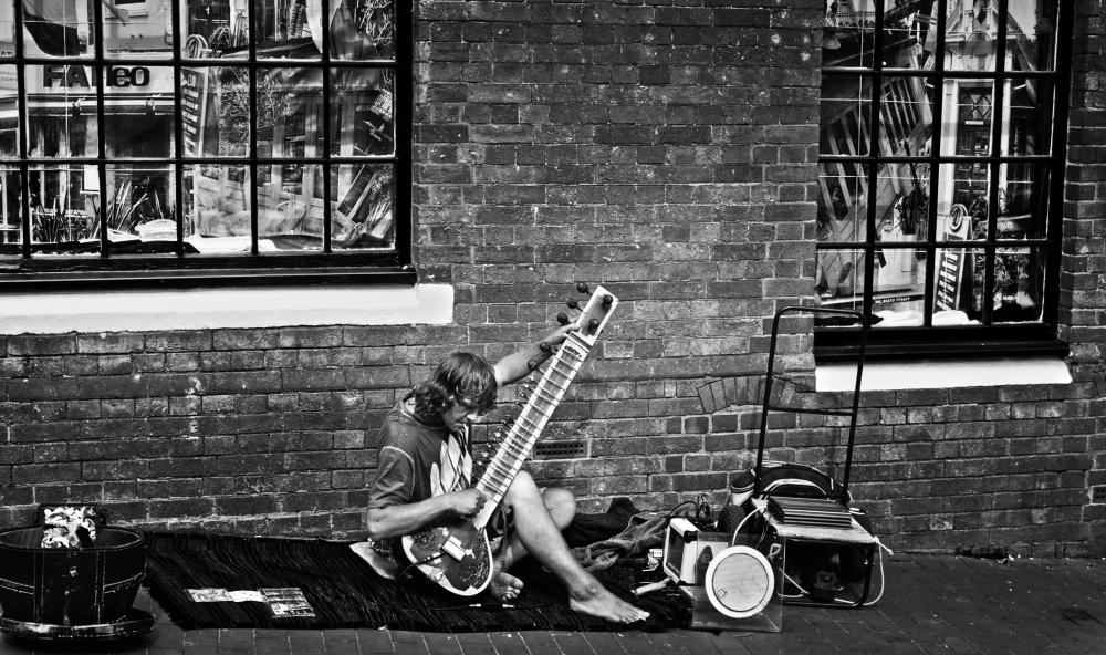 brighton england street musician