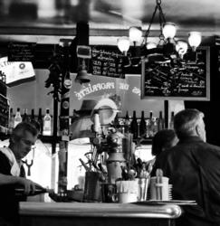 """paris france restaurant bar bistro """"les pipos"""""""