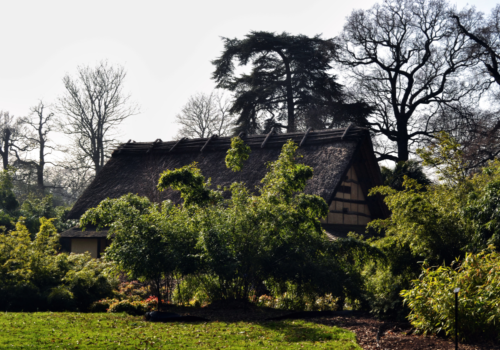 kew-gardens england minka thatch house japan