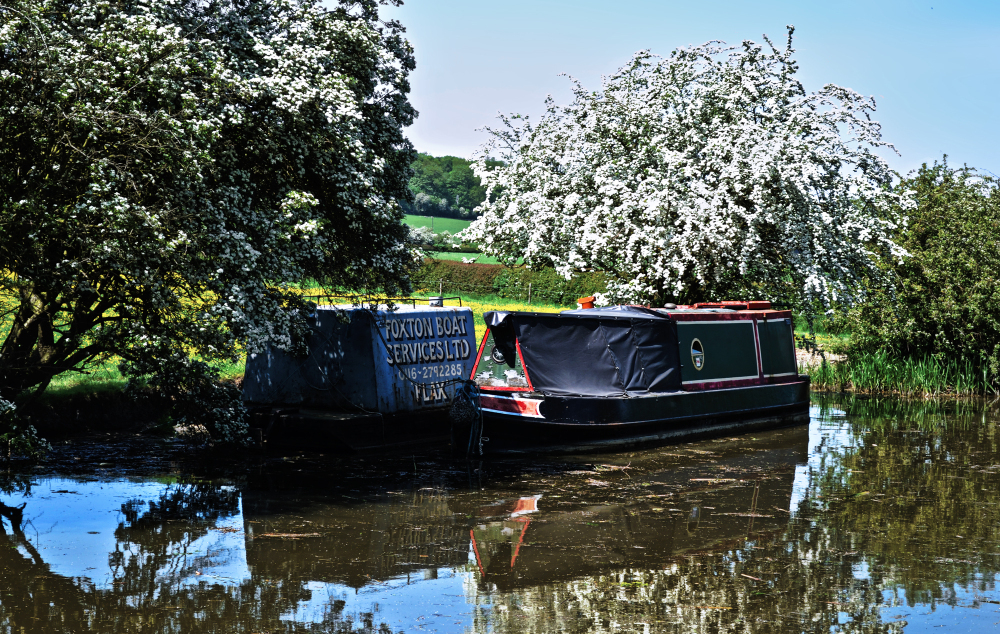 foxton-locks leicester england canal barge