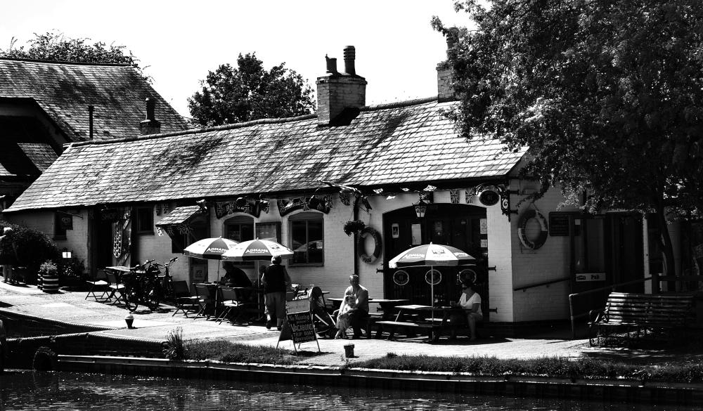 foxton-locks leicester england canal pub