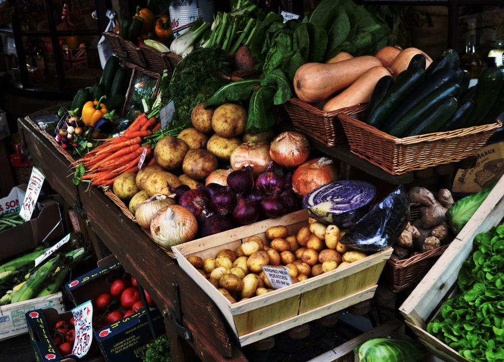 cotswolds england vegetable market
