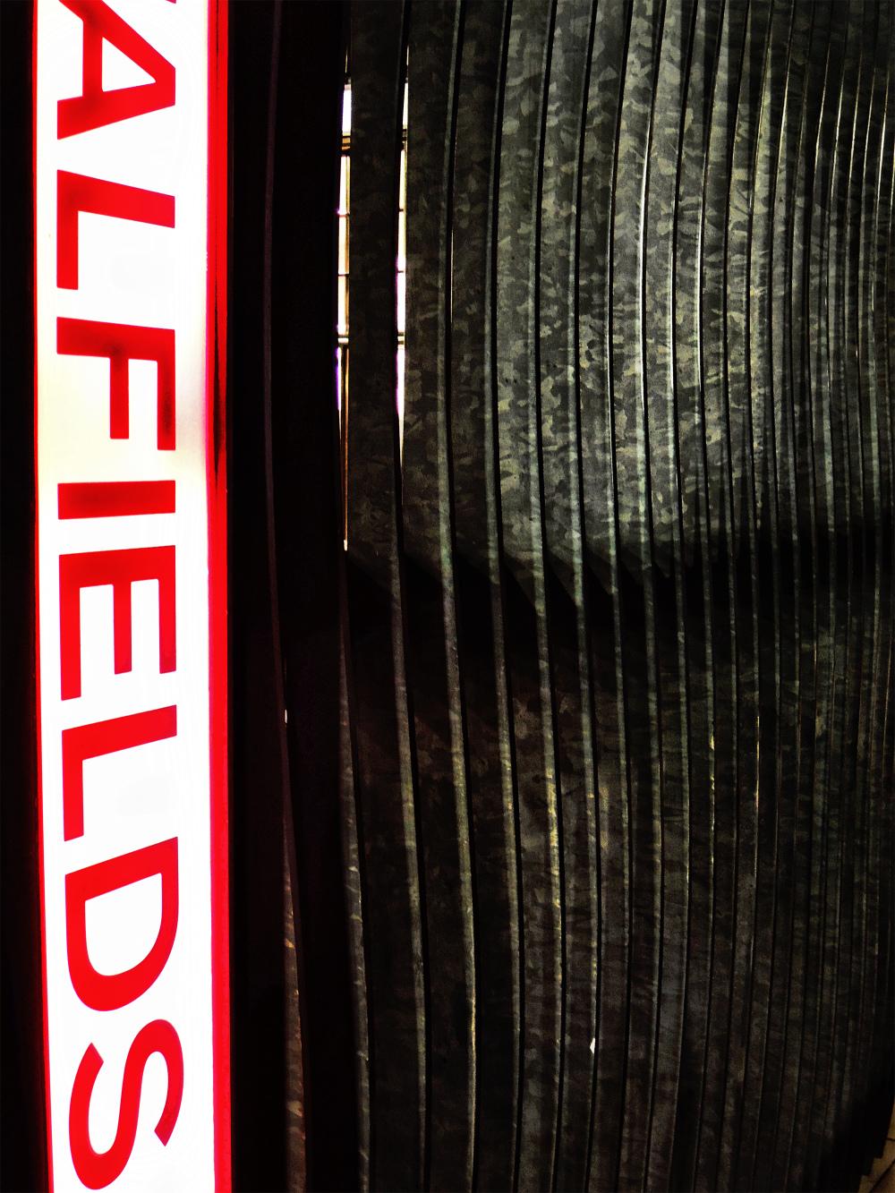 spitalfields market london england gate