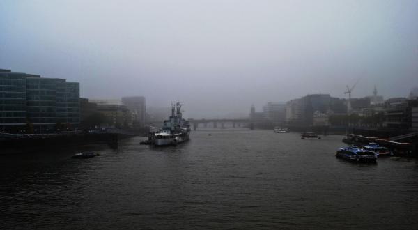 london ship england fog river thames