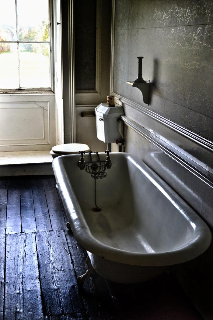 lincolnshire england belton-house bathroom