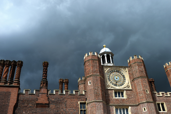 hampton-court palace england cloud