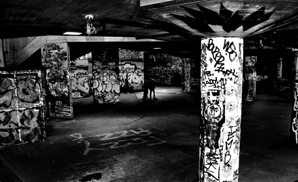 london south-bank england graffiti skateboard