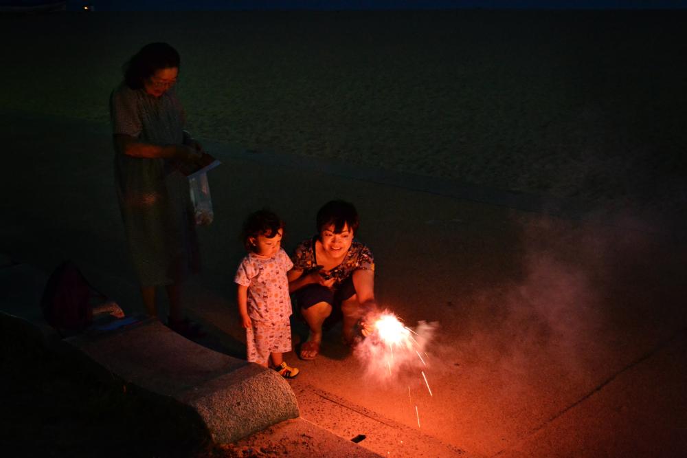 tamano okayama japan beach mia mayumi fireworks