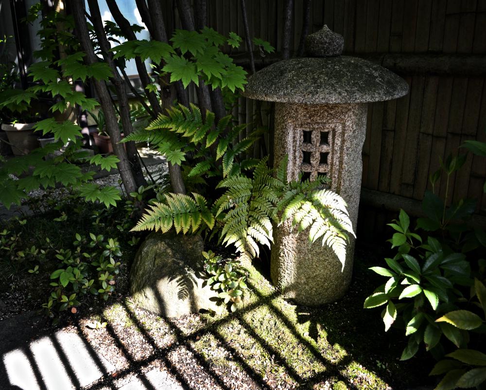 okayama japan lantern garden
