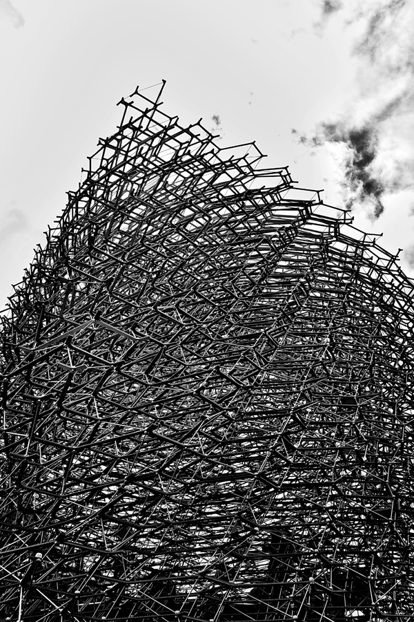 kew-gardens london england the-hive sculpture