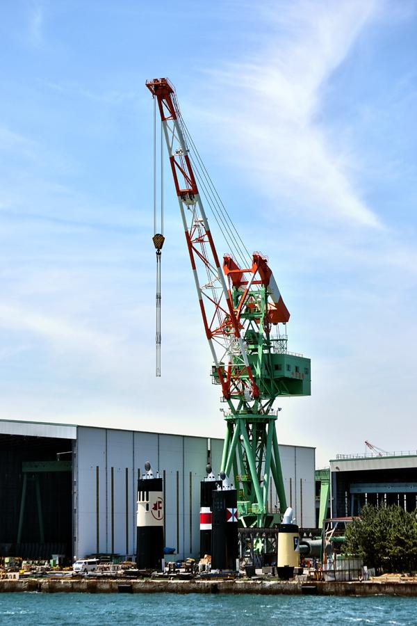shipyard crane marugame shikoku japan seto-naikai