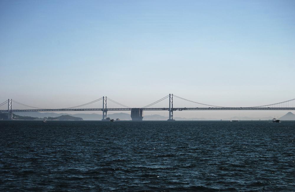 shikoku japan seto-naikai bridge seto-ohashi sea