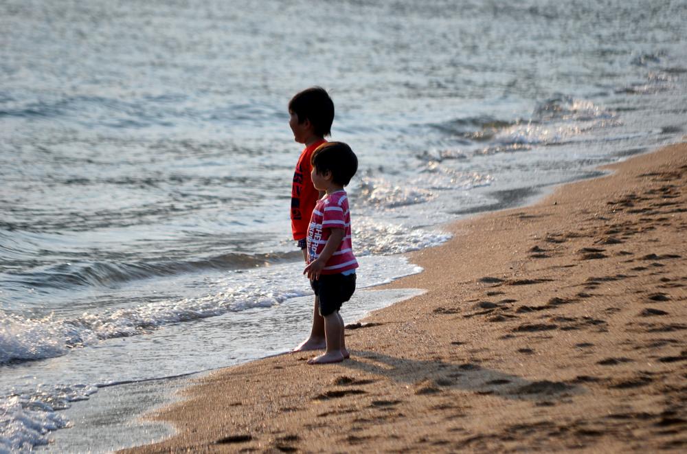 okayama japan beach sea tamano children shibukawa