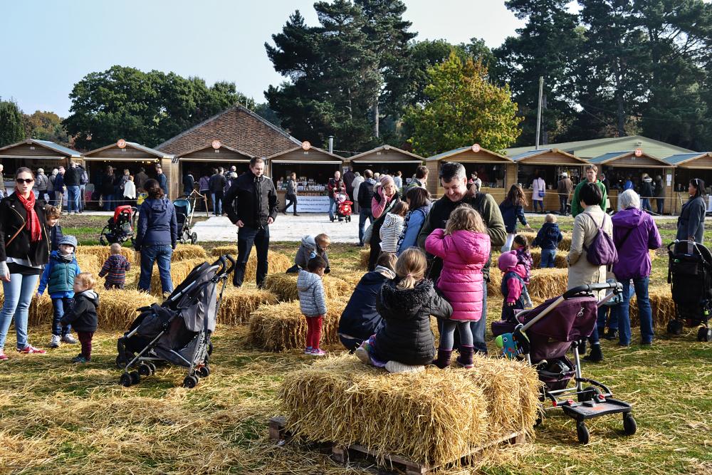 wisley garden england stall family children