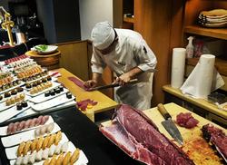 tuna sushi restaurant okinawa japan