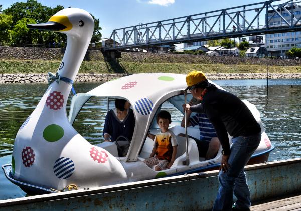 okayama japan asahigawa river boat