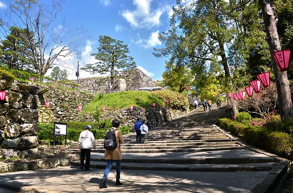 kochi castle shikoku japan Mayumi steps