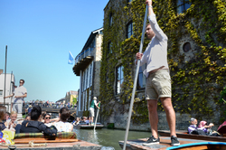 cambridge england river boat punt tourist