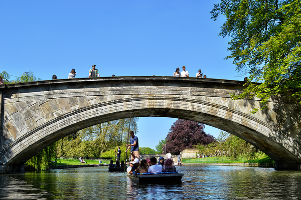 cambridge england river bridge boat