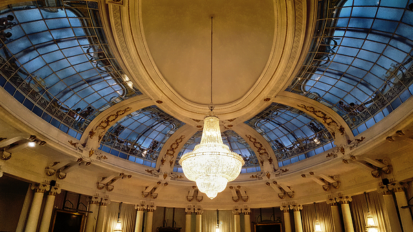 nice france negresco-hotel light