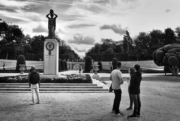 madrid spain park Parque-de-El-Retiro statue