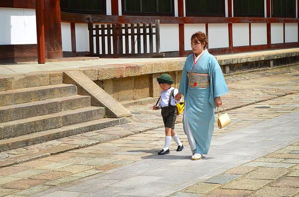 todaiji temple nara japan kimono
