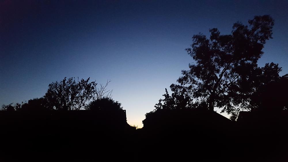 england lockdown worcester-park sunset