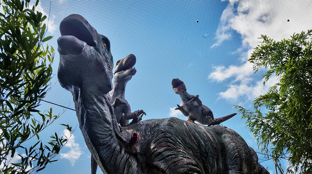 new-malden england dinosaur mini-golf