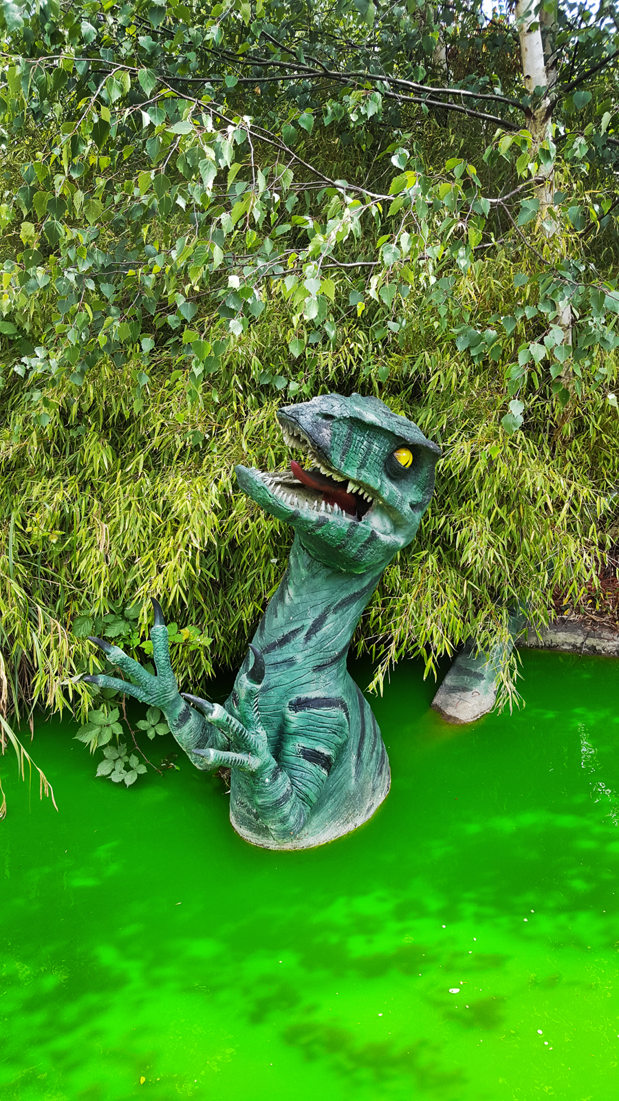 new-malden england dinosaur mini-golf