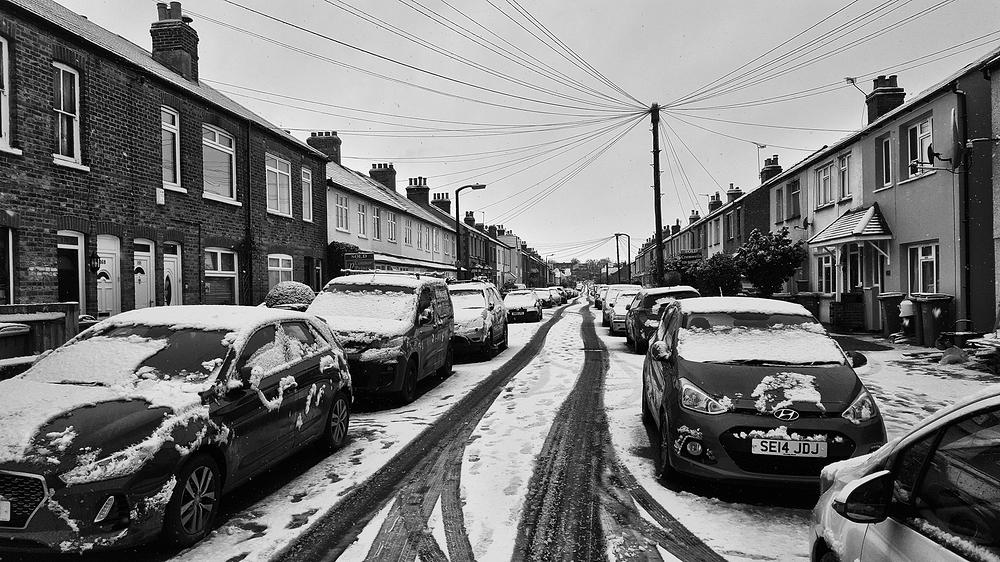 worcester-park england street snow